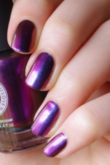 Фиолетовый маникюр с синим