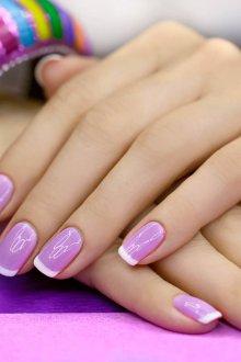 Фиолетовый маникюр светлый