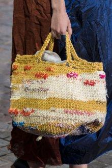 Вязаная сумка в стиле гранж