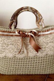 Вязаная сумка с кружевом