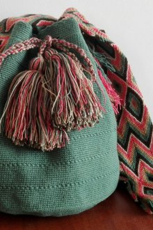 Вязаная сумка мешок зеленая