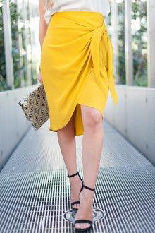 Юбка с запахом желтая