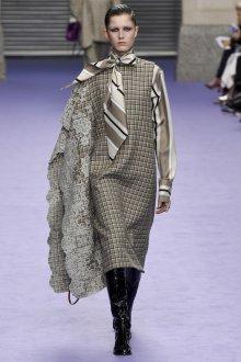 Сарафан в клетку модный