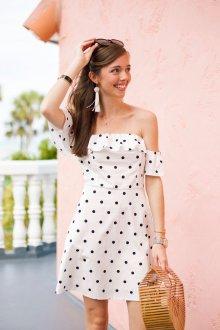 Платье в горошек красивое