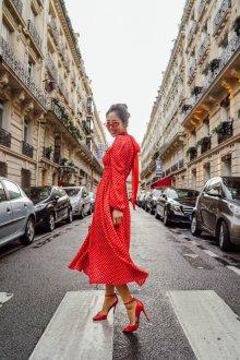 Платье в горошек красное длинное