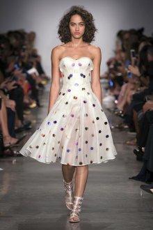 Платье в горошек из органзы