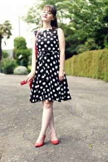 Платье в горошек ретро