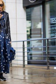 Платье в горошек синее длинное