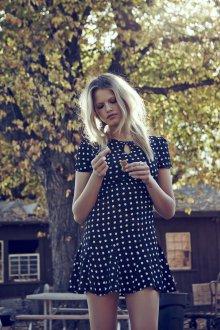 Платье в горошек весеннее