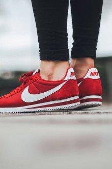 Красные кеды Nike