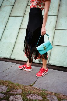 Красные кеды на шнуровке