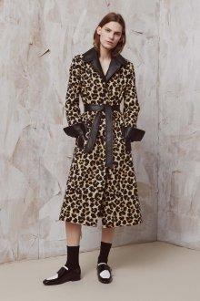 Лоферы женские с пальто