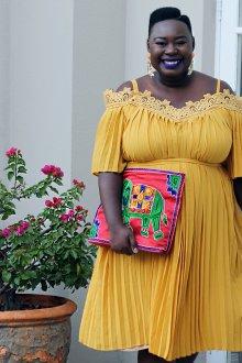 Платье для женщин с животом с отделкой