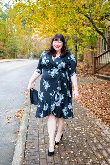 Платье для женщин с животом цветочное на запах