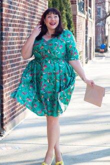 Платье для женщин с животом зеленое