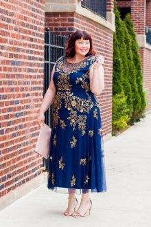 Платье для женщин с животом с золотой отделкой