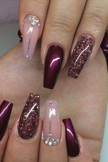 Маникюр на длинные ногти блестящий