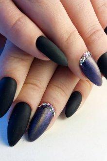 Маникюр на длинные ногти черный со втиркой