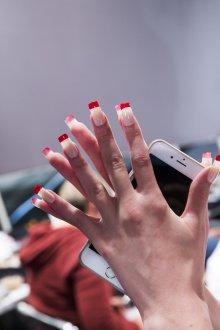 Маникюр на длинные ногти цветной