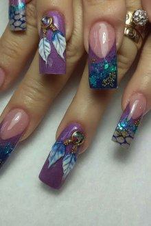 Маникюр на длинные ногти фиолетовый