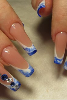 Маникюр на длинные ногти французский цветной
