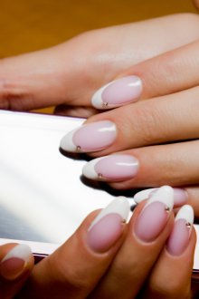 Маникюр на длинные ногти французский