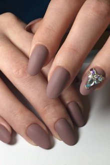 Маникюр на длинные ногти коричневый