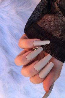 Маникюр на длинные ногти матовый