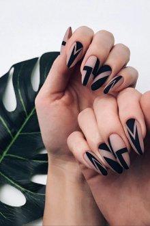 Маникюр на длинные ногти модный