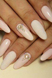 Маникюр на длинные ногти песочные