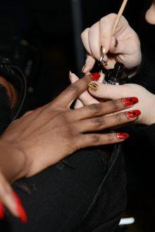 Маникюр на длинные ногти стильные