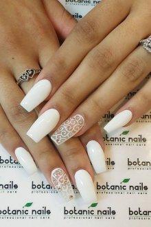Маникюр на длинные ногти свадебный белый
