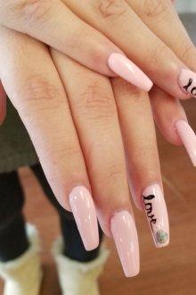 Маникюр на длинные ногти весенний
