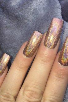 Маникюр на длинные ногти с золотой втиркой