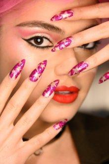 Маникюр на длинные ногти со звездами