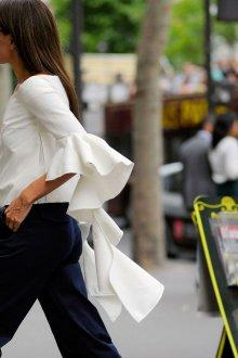 Блузка с коротким рукавом асимметричная