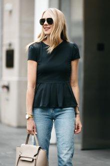Блузка с коротким рукавом и баской