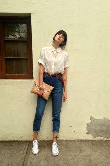 Блузка с коротким рукавом с джинсами