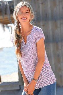 Блузка с коротким рукавом и геометрическим рисунком