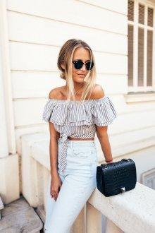 Блузка с коротким рукавом модная