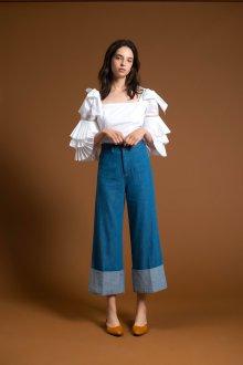 Блузка с коротким рукавом и рюшами