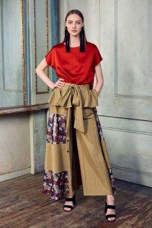 Блузка с коротким рукавом шелковая красная
