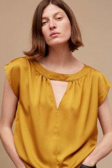 Блузка с коротким рукавом шелковая желтая