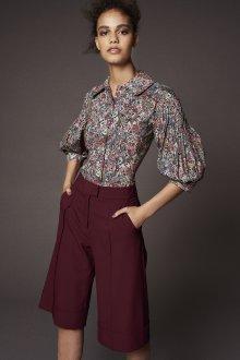 Блузка с коротким рукавом с складками