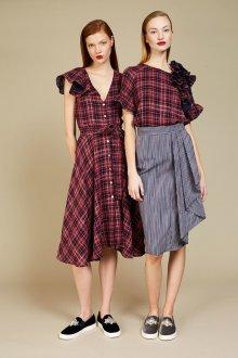 Блузка с коротким рукавом стильная