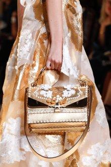 Золотая сумка с цветами