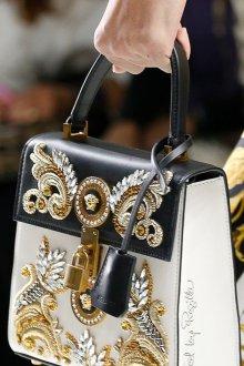 Золотая сумка с декором