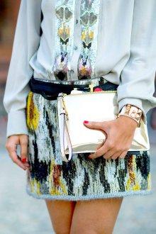Золотая сумка на молнии