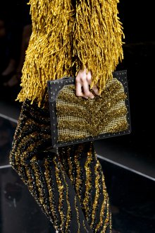 Золотая сумка прямоугольная