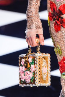 Золотая сумка с розами